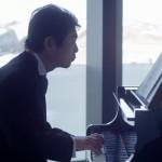 この動画泣ける!結婚式父が弾けないはずのピアノを弾きだして…