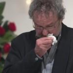 これは泣ける!!「自分の葬式」に出席、号泣の理由とは